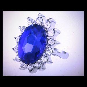 Princess Kate engagement blue diamond vintage ring